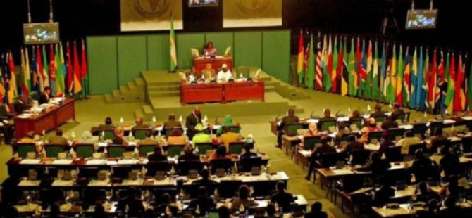 Pan Afrika Parlamentosu Başkanlık Seçimi Toplantısında Üyeler Arasında Arbede Çıktı