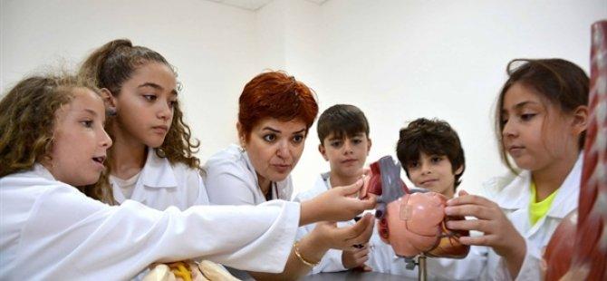Özay Günsel Çocuk Üniversitesi'nde yaz dönemi 21 Haziran'da yüz yüze başlıyor.