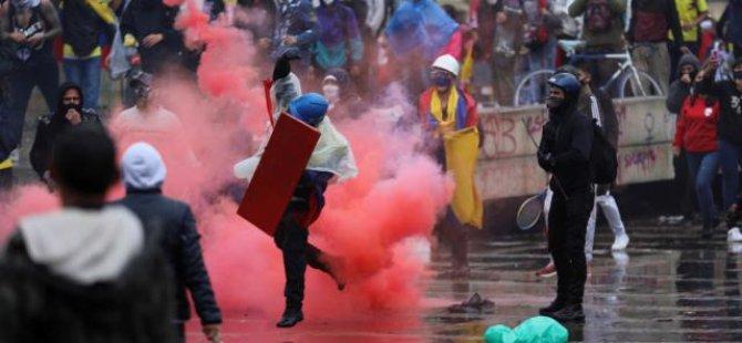 Kolombiya'da Hükümet Karşıtı Protestolar Askıya Alındı