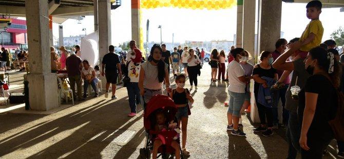Merkez Lefkoşa'nın açılışına vatandaşlardan  büyük ilgi