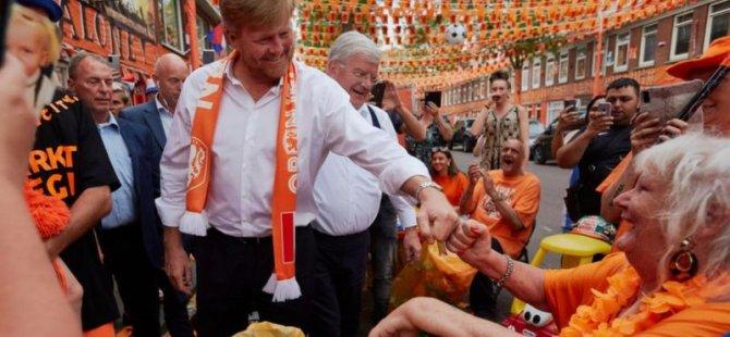 Hollanda Kralı Sosyal Mesafeye Uymadı, Hükümet Tepki Gösterdi: Kurallar Herkes İçin Geçerli