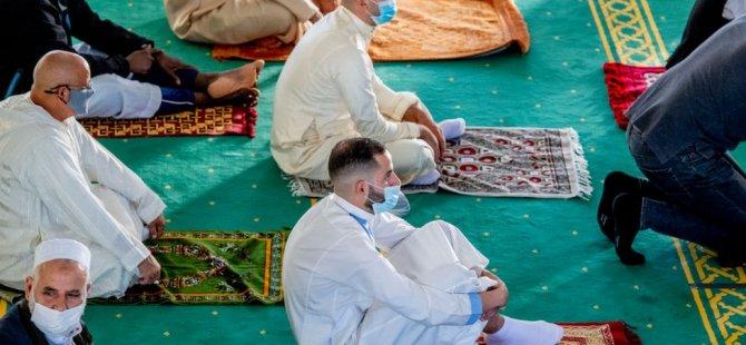 Hollanda'da Savcılık Camilere Gönderilen 'Tehdit Mektubunu' Suç Saymadı