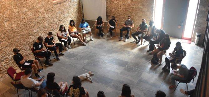 Girne Belediyesi Gençlik Platformu Üyeleri İlk Toplantısını Gerçekleştirdi