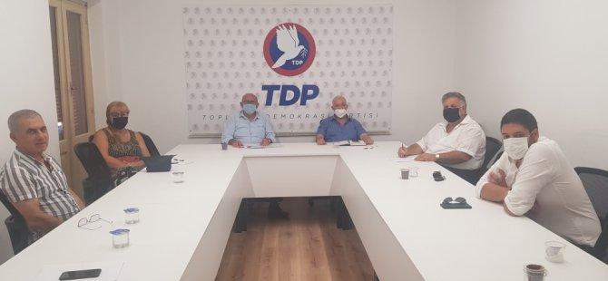 Özyiğit Federal Kıbrıs Hareketi'nden bir heyeti kabul ederek görüştü
