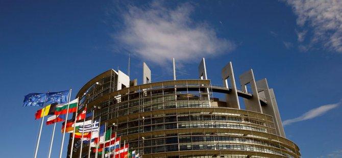 Avrupa Parlamentosu, Sera Gazı Emisyon Hedeflerini Bağlayıcı Hale Getirecek Yasayı Onayladı