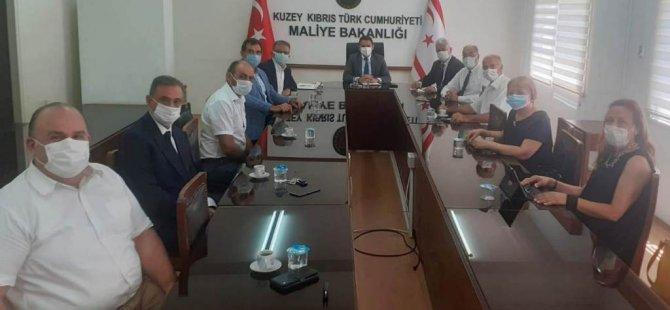 Oğuz, Kuzey Kıbrıs Bağımsız Hesap Uzmanları Birliği Yetkilileri İle Görüştü