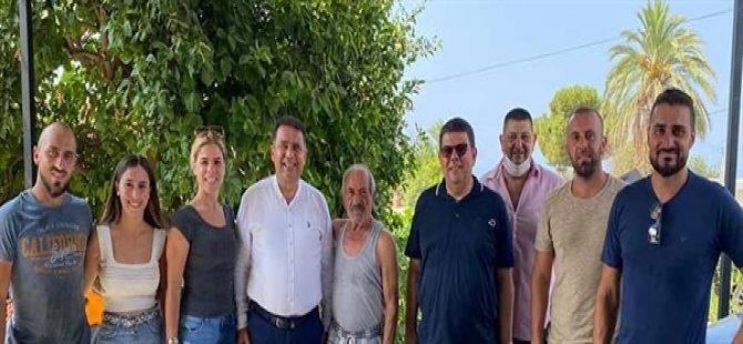 Başbakan Ersan Saner Bayram'ın son gününde Girne'yi ziyaret ederek vatandaşlarla biraraya geldi
