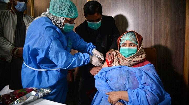 Pakistan'da aşı olmayana seyahat yasağı