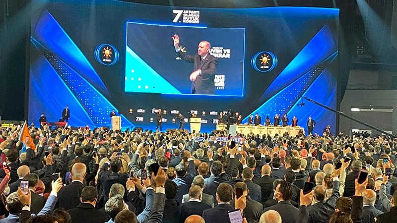 Yeni Akit Yazı İşleri Müdürü Karahasanoğlu: AK Parti iktidarını uyarıyorum; hep birlikte acınacak duruma düşeriz!