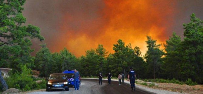 THK'nın eski başkanı Karakuş: Rus uçakları orman yangınlarını söndüremez