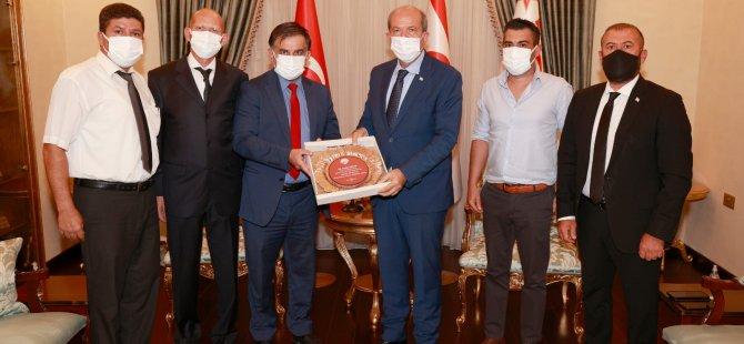 Cumhurbaşkanı Tatar, Güreş Federasyonu'nu Kabul Etti