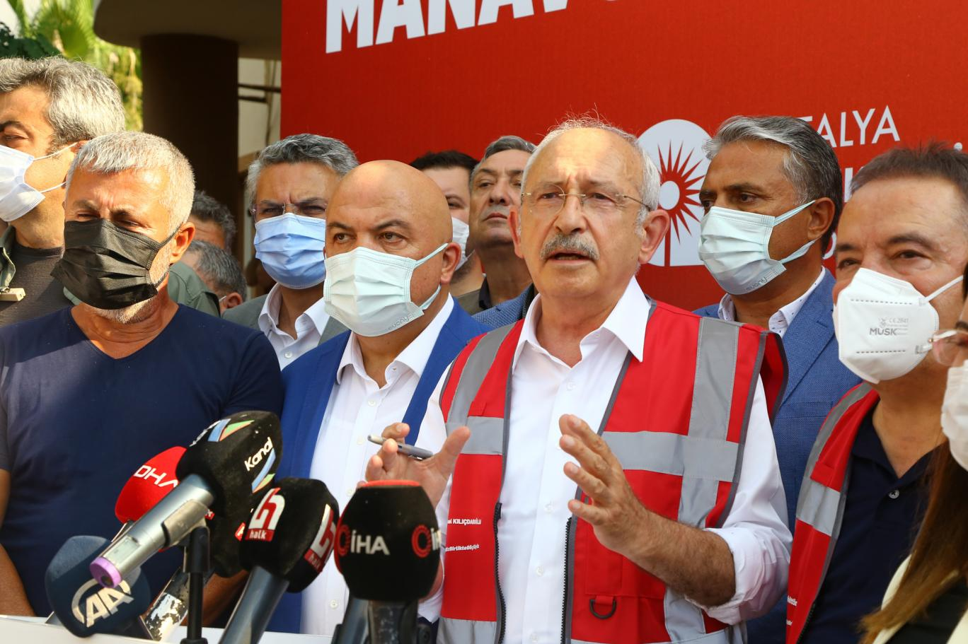 Kılıçdaroğlu'ndan Erdoğan'a:  Kendine 13 uçak alacağına, 12 tane yangın söndürme uçağı alsaydın