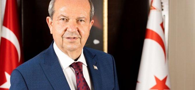 Cumhurbaşkanı Ersin Tatar eşi Sibel Tatar ile birlikte İstanbul'daki etkinliklere katılmak üzere adadan ayrıldı.