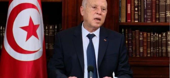 Tunus Cumhurbaşkanı Said olağanüstü yetkileri elinde toplama kararını uzattı