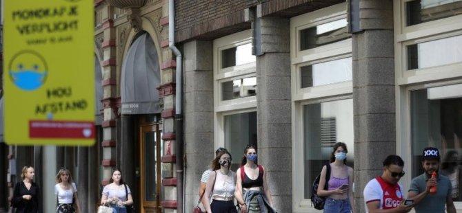 Hollandalı bilim insanlarına ödül getiren araştırma: Kalabalıkta yürürken çarpışmamak için ne kadar mesafe ihtiyacınız var?