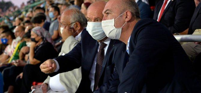 Cumhurbaşkanı Tatar, Mağusa Türk Gücü ile Yenicami arasında oynanan Süper Kupa maçını izledi