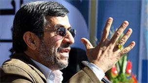İran: Ahmedinejad'ın helikopteri zorunlu iniş yaptı