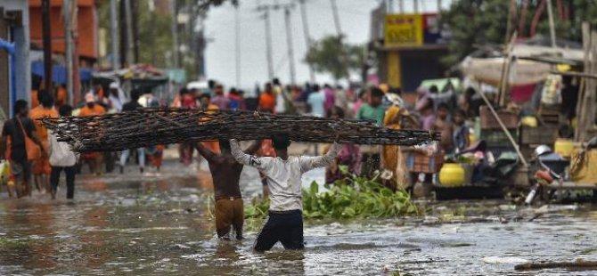 Hindistan'da sel: 3 ölü, 5 kayıp