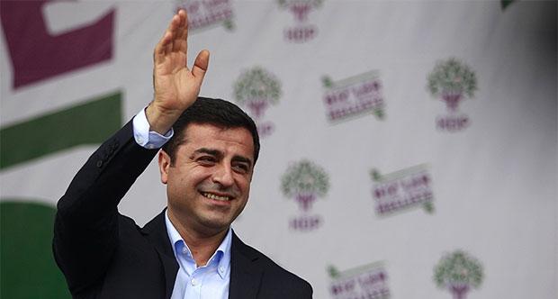 Demirtaş: Doğu'da ihale almış AKP'li işadamları PKK'ya para veriyor