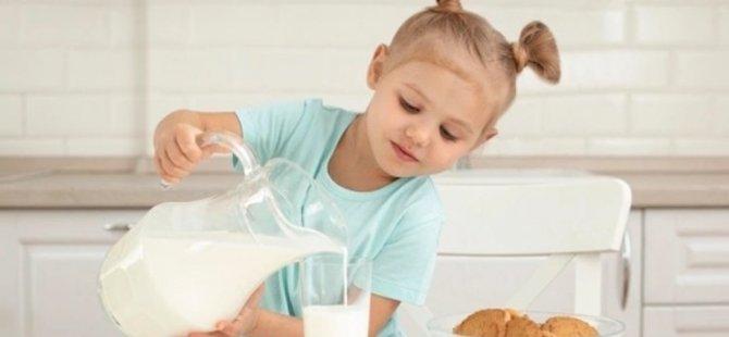 Uyumadan bir saat önce bir bardak süt için