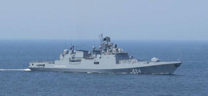 Rus Fırkateyn Limasol Limanında
