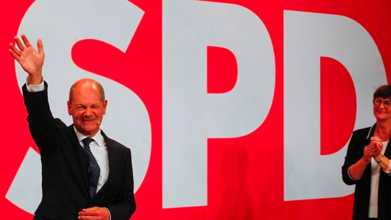 Almanya'da Sosyal Demokratlar seçimden  1. çıktı