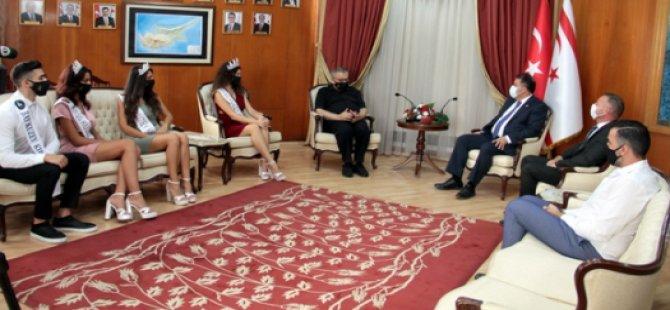 Başbakan Saner, 34. Miss Kuzey Kıbrıs güzelleri ve 23. Bay Kuzey Kıbrıs birincisini kabul etti