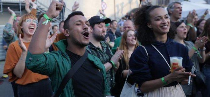 Almanya'da genç seçmenler kitle partilerinden uzaklaşıyor