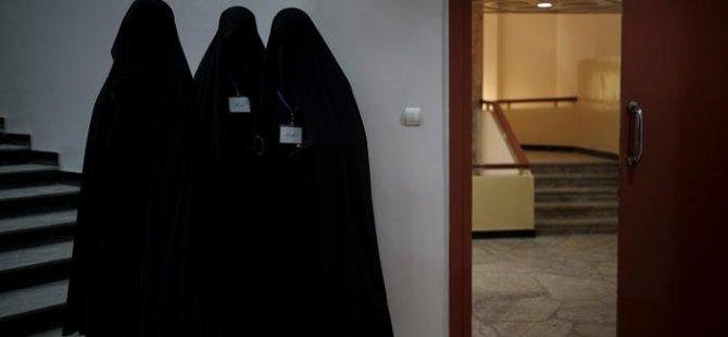 Kabil Üniversitesi kapılarını kadınlara kapattı