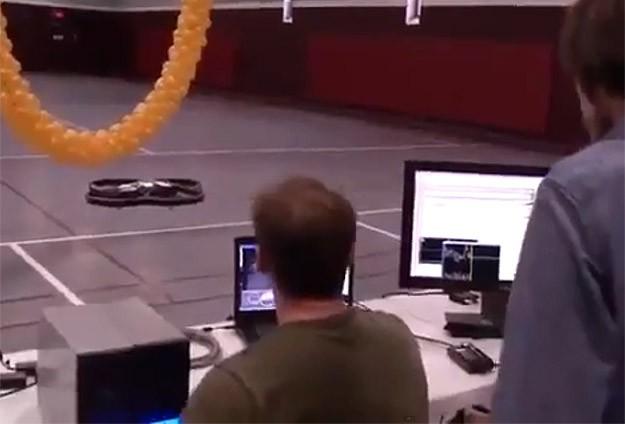 Bu helikopter düşünce gücüyle uçuyor