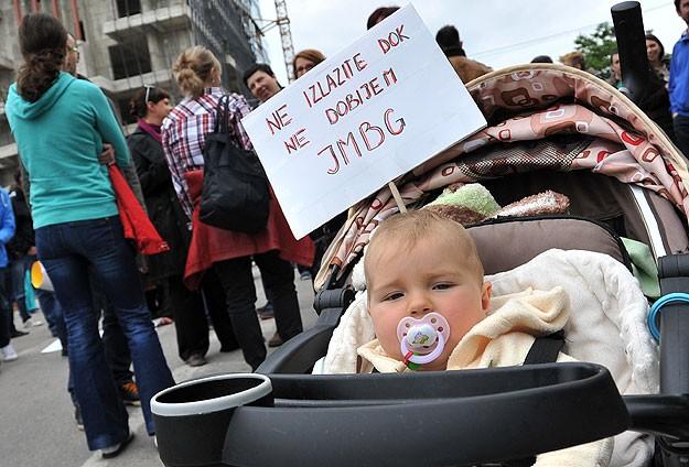 """Bosna'da """"vatandaşlık numarası"""" protestosu sürüyor"""