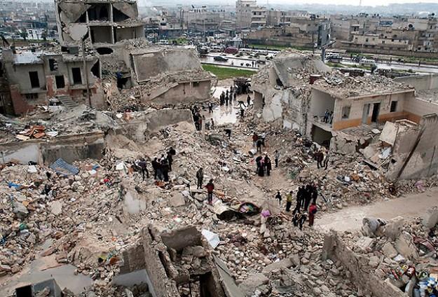 Esed Halep'i Scud füzeleriyle vuruyor