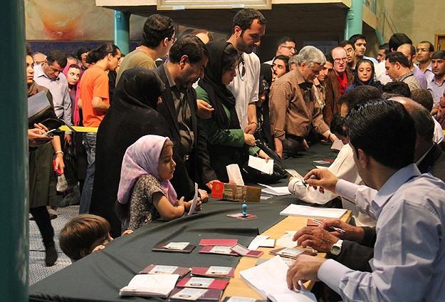 İran'da oy verme işlemi sona erdi