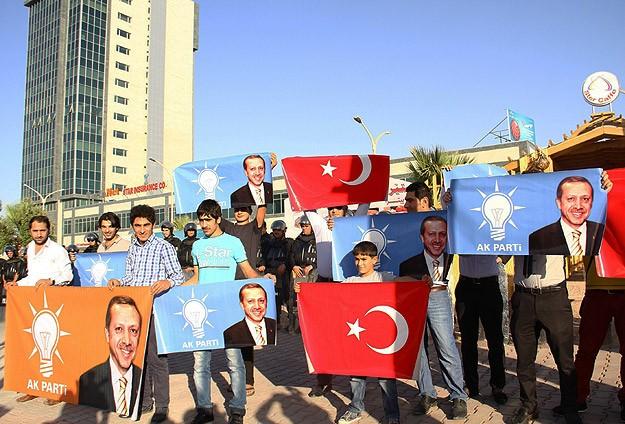 Erbil'de Başbakan Erdoğan'a destek gösterisi