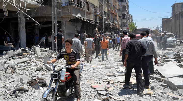 Esed güçleri çarşıyı bombaladı!