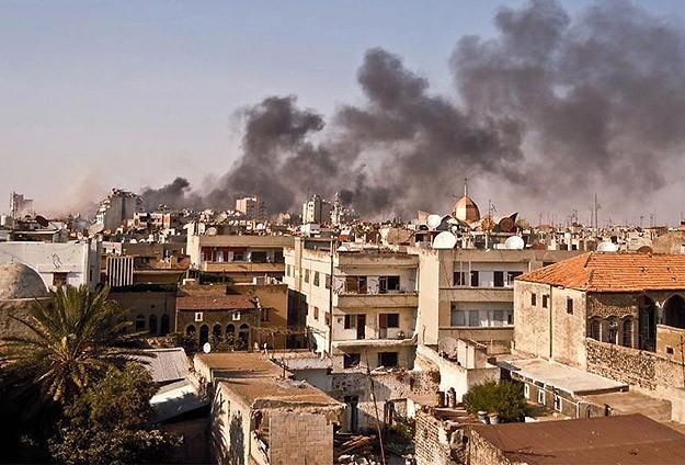 Halep'e varil bombası: 12 ölü