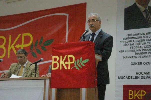 İzcan'dan faşizan hükümet uygulamalarına eleştiri