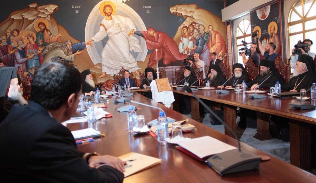 """Anastasiadis'in Kıbrıs Müzakereleriyle İlgili Bilgilendirmesi Sen Sinod Üyelerini """"Coşturdu"""""""