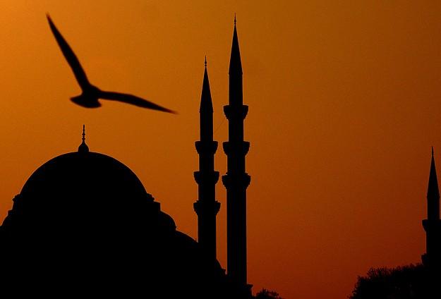 """""""Ramazan'da lokantaların camlarını perdeyle kapatın"""""""