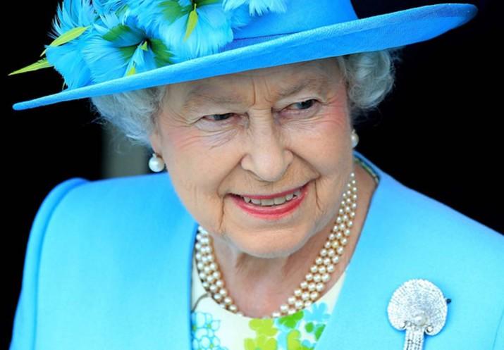 Kraliçe'ye düdüklü tencereyle suikast