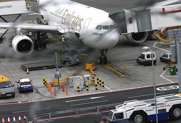 Heathrow yeniden uçuşlara açıldı