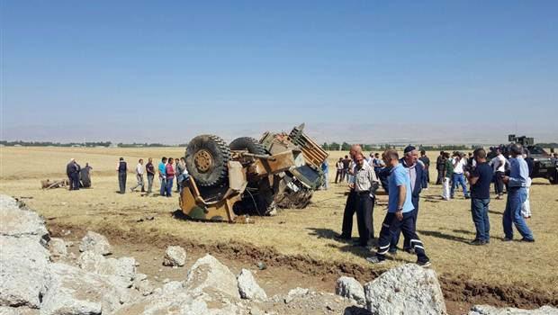 Muş'ta askeri araca bombalı saldırı: 12 yaralı