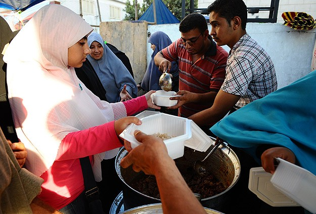 Cansuyu'ndan Mısır'da 6 bin kişiye iftar