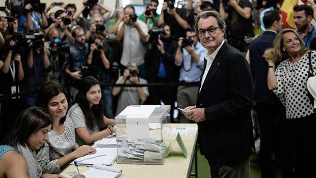 Katalonya 'bağımsızlığı' oyladı