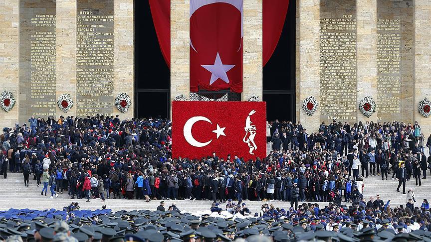 Atatürk, Anıtkabir'de devlet töreniyle anıldı