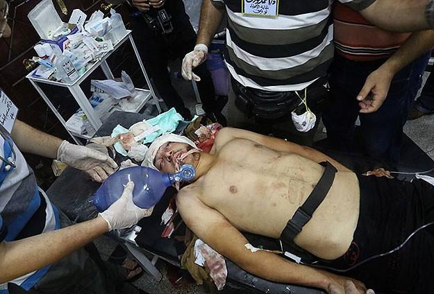 """""""Baltacılar"""" darbe karşıtlarına saldırdı: 2 ölü"""
