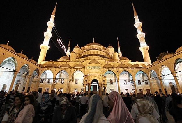 Camiler Kadir Gecesi'nde sabaha kadar açık olacak