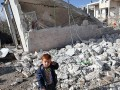 Cenevre'de barışı görüşüyor Suriye'de katlediyor