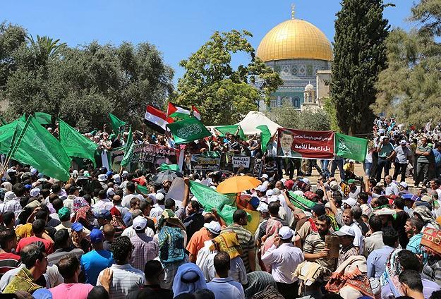 Filistinlilerden Mursi ile dayanışma eylemi