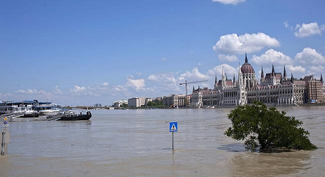 Avrupa'da Sel Endişesi